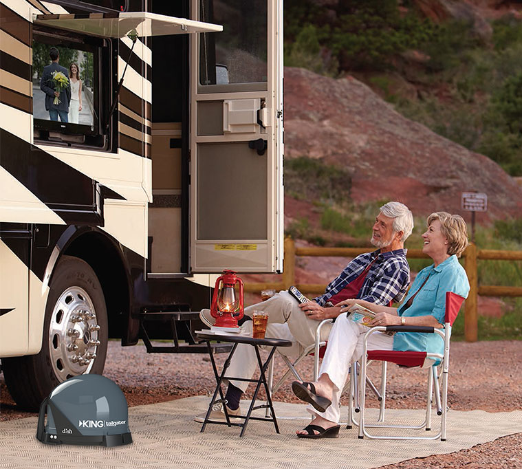 Couple-TV-RV.jpg